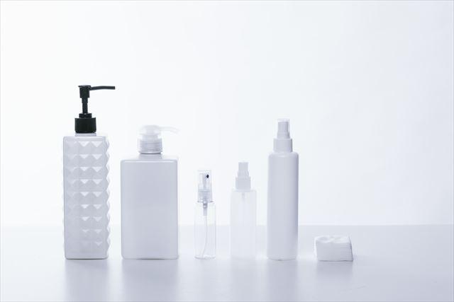 クリームを容れるアルミの化粧品容器やシャンプー・コンディショナー用のポンプのOEMなら